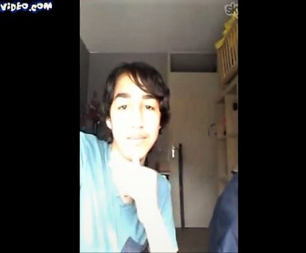 18 year old boy jacks off on mobile phone cam with skype